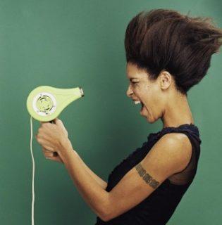 Így csökkentsd felére a hajszárításhoz szükséges időt