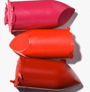 Beauty trükk: rúzs a karikás szemek elfedéséhez