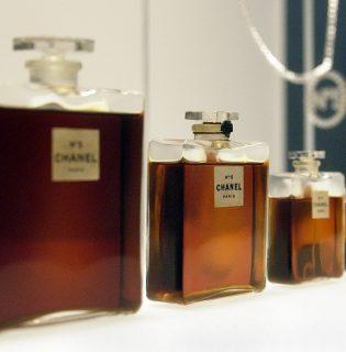 A tömegközlekedés  áldozata lehet a Chanel No.5 parfüm