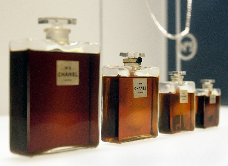 Chanel No. 5 parfümös üvegek 1921-ből