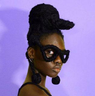 Afro frizurájából készít ez a lány szobrokat, az eredmény egészen meghökkentő