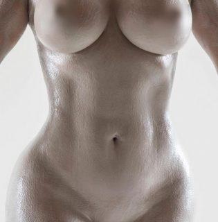 Kim Kardashian West testéről mintázzák új parfümje üvegét