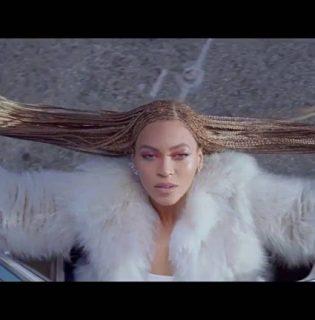 Beyoncé frizurája a nyár kedvence