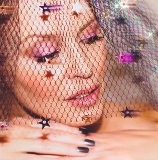 Kylie Minogue sminkmárkát indít, miután legyőzte Kylie Jennert