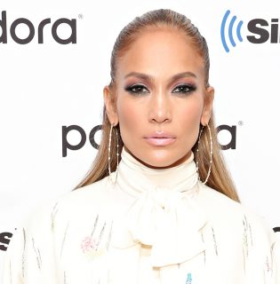 Jennifer Lopez új parfümmel jelentkezett