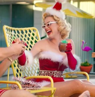 Katy Perry cuki tippet adott rá, milyen karácsonyi sminket készítsünk