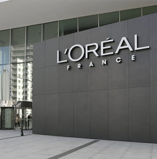A L'Oreal Csoport is beszállt a koronavírus elleni küzdelembe