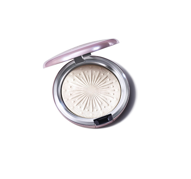 MAC_FY21_FrostedFireworks_ExtraDimensionSkinfinish_LetItGlow_Ope